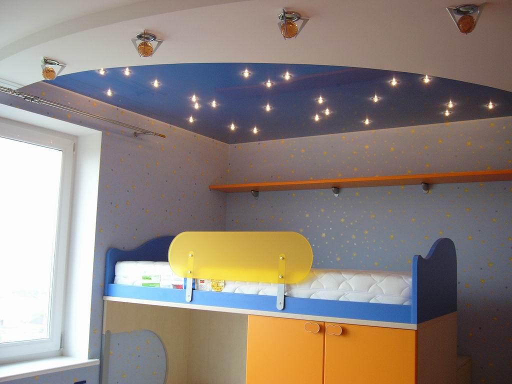 Как сделать потолок в детскую