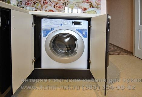 стиральная машинка под столешницей на кухне фото